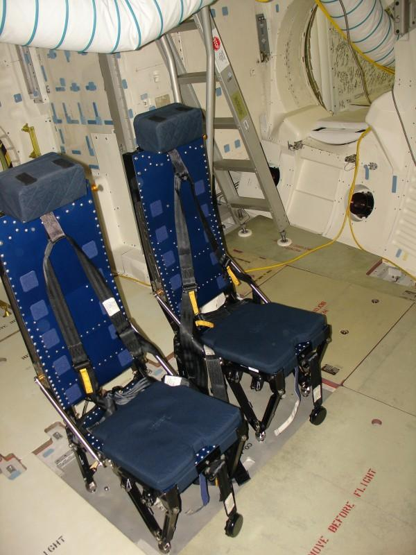 space shuttle living quarters - photo #11