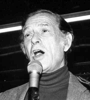 Oscar Brand at the 50th anniversary of Folksong Festival in December 1995