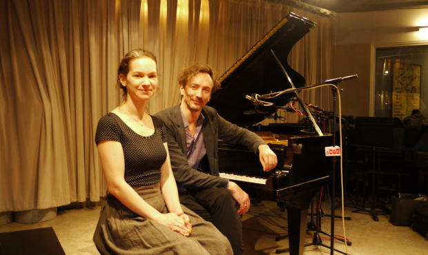 Hilary Hahn and Hauschka in the studio (Mujahid Suliman)