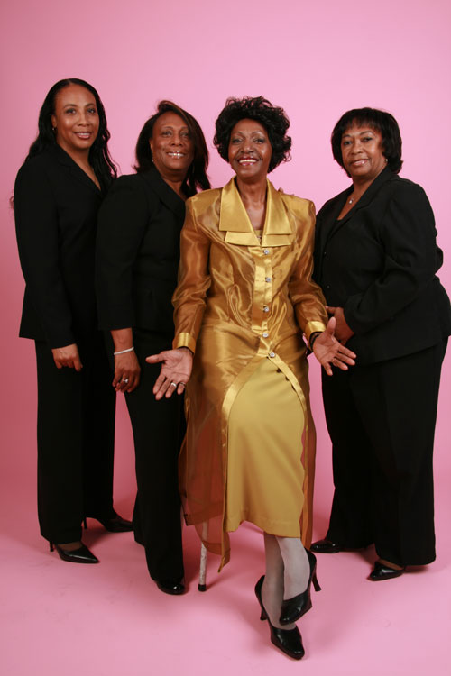 Naomi Shelton and the Gospel Queens. Photo by Dulce Pinzon