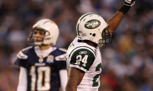 Cornerback Darrelle Revis (Photo by Donald Miralle/Getty Images)