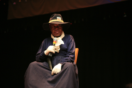 Actor Gloria Lowery Tyrell playing Harriet Tubman